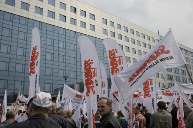 Związkowcy pikietowali przed siedzibą grupy Tauron