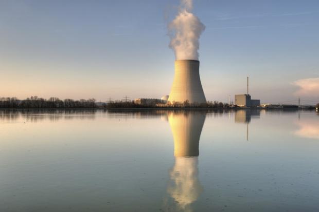 """Sejm przyjął rządowy """"pakiet atomowy"""""""