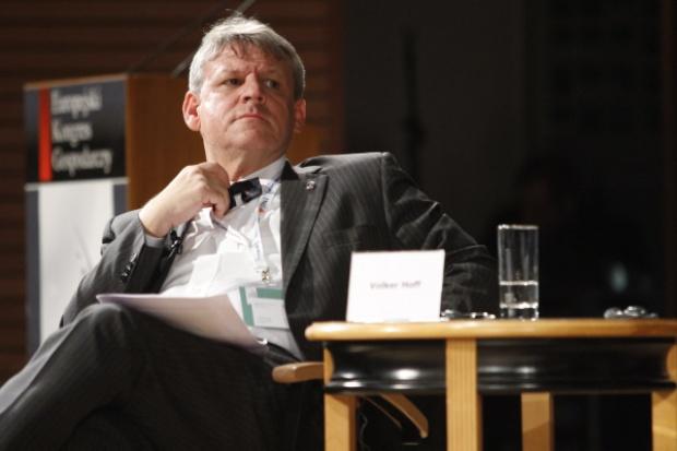 Volker Hoff: nie zawsze nadążamy za politykami