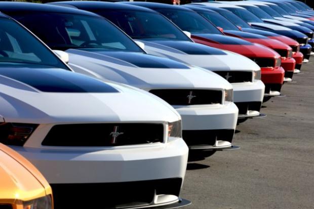 Mustang na cztery gary?