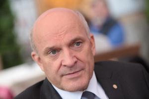 Prezes Lotosu ma dostać nagrodę za 2010 rok