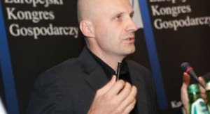 """Maciej Muskat, Greenpeace: możemy dalej czekać lub dołączyć do Europy """"pierwszej prędkości"""""""