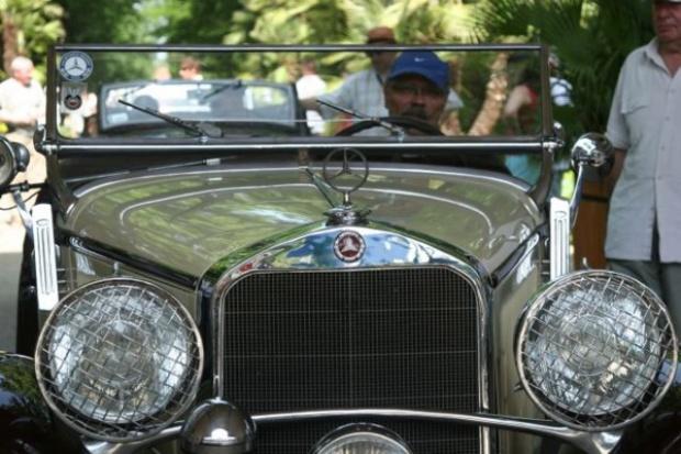 Zabytkowe Mercedesy opanują Warszawę