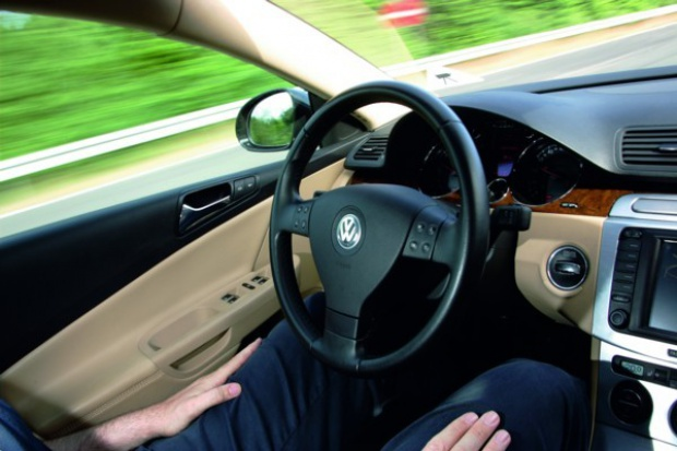 Volkswagen zaprezentował system Temporary Auto Pilot