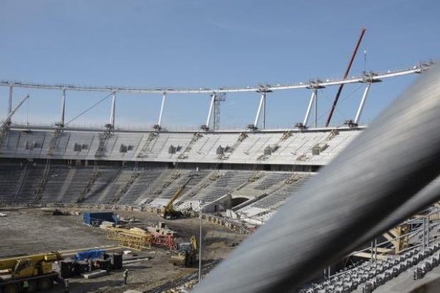 Rozpoczęło się podnoszenie konstrukcji dachu Stadionu Śląskiego