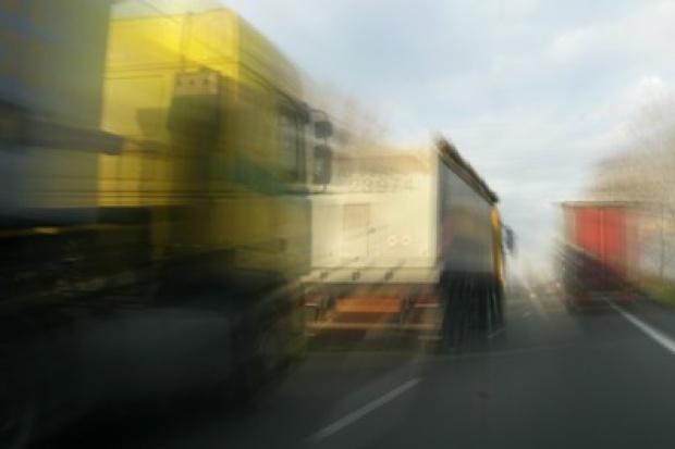 Tir-y uciekły z autostrad na drogi lokalne