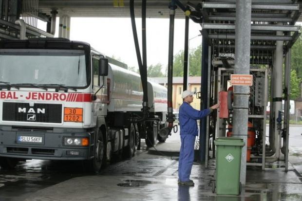 Benzyna w kraju rekordowo droga - 5,29 PLN/l. Na horyzoncie nie widać dalszych podwyżek cen