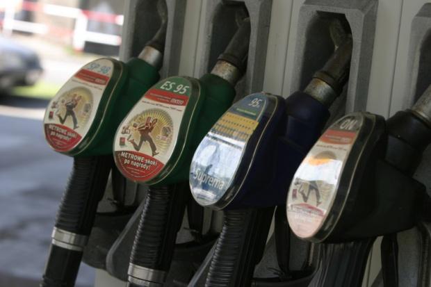 Ceny na stacjach paliw o pięć groszy w górę