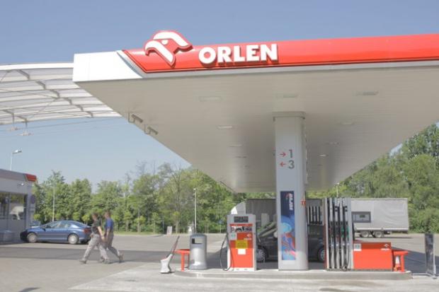 Orlen obniża maksymalne ceny na stacjach własnych