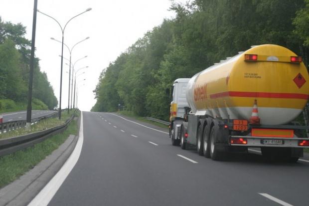 Blisko jedna trzecia paliw w Polsce pochodzi z importu