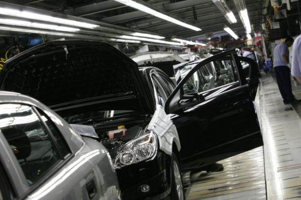 Gliwicki Opel wprowadza dni bez produkcji, bo rynek się załamuje