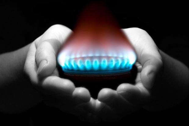 Miedwiediew: Ukraina chce od nas wyłudzić gaz