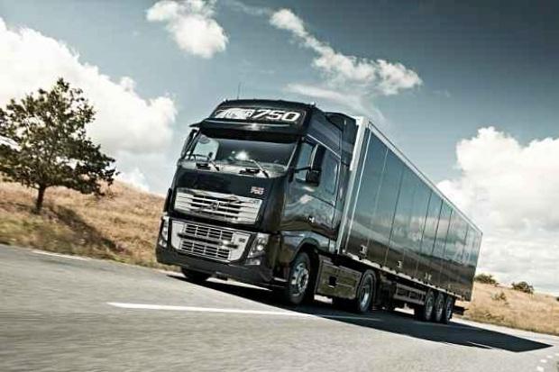 750 koni na jubileusz flagowego modelu Volvo Trucks