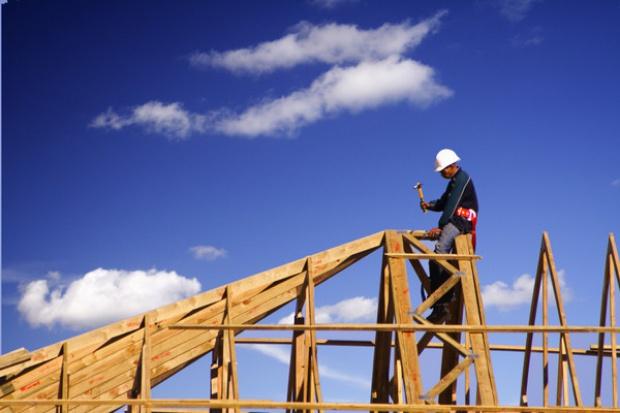 Gorsza płynność i więcej upadłości w budownictwie