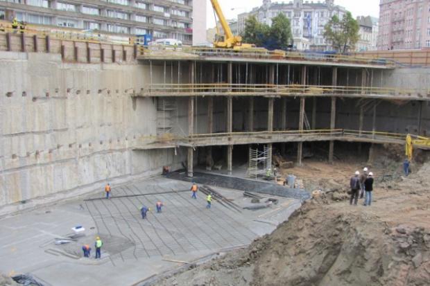 50-metrowe ściany szczelinowe na budowie warszawskiego wieżowca