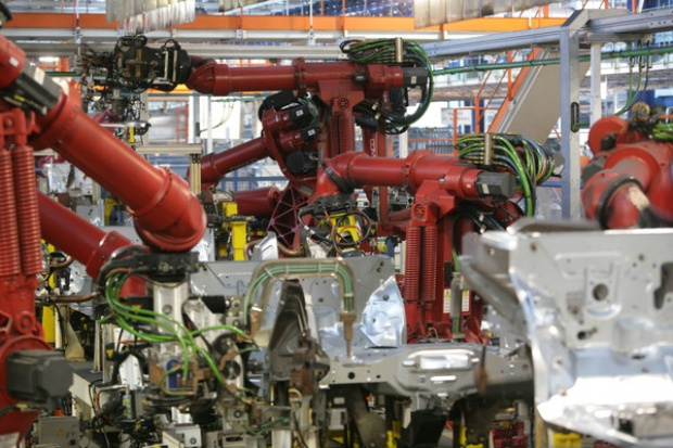 W sierpniu spadła produkcja samochodów