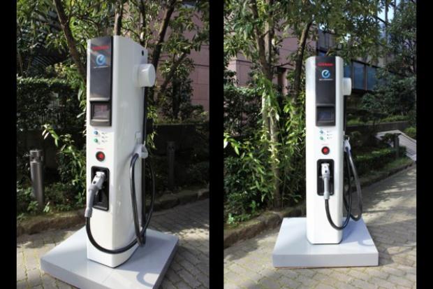 Nissan modernizuje ładowarki do samochodów elektrycznych