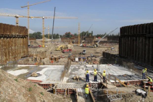 Nadzór budowlany i straż pożarna spokojni o stadiony na Euro