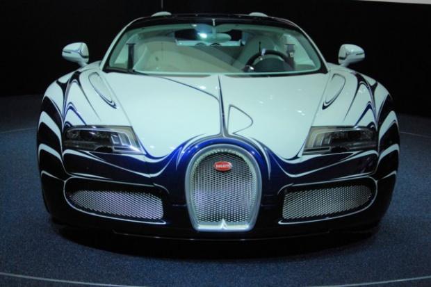 """Porcelanowe """"dodatki"""" w Bugatti"""