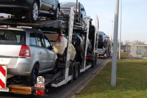 Mniejszy import używanych aut