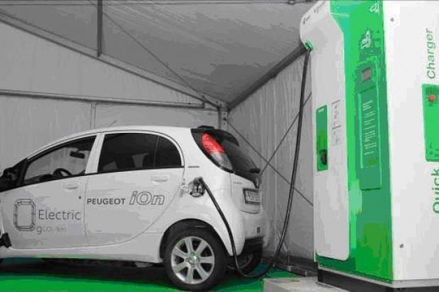 Schneider Electric i EMT otwierają pierwszą stację szybkiego ładowania aut elektrycznych w regionie bałtyckim