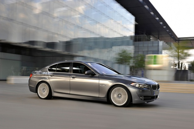 """""""Piątka"""" kołem zamachowym sprzedaży BMW"""