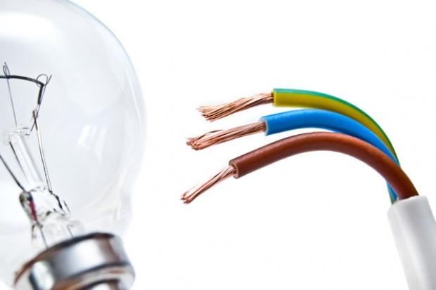 Jak firmy oszukują odbiorców chcących zmienić sprzedawcę energii?