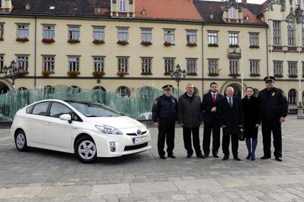 Toyota Prius samochodem patrolowym we Wrocławiu
