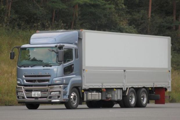Fuso prezentuje hybrydową ciężarówkę