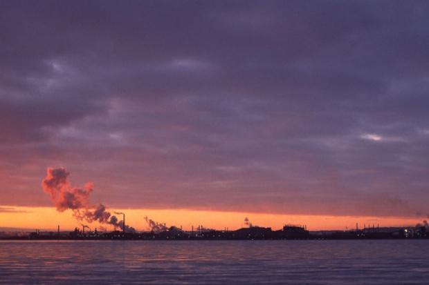 Nadwyżki CO2 w centrum negocjacji klimatycznych w Durbanie
