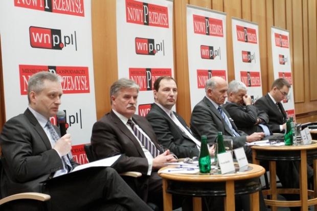 Nafta/Chemia 2011: Branże w cieniu ryzyk