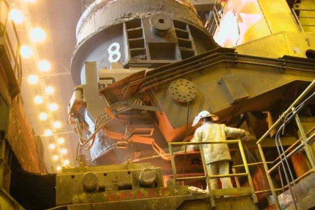 Związki ArcelorMittal protestują w obronie miejsc pracy