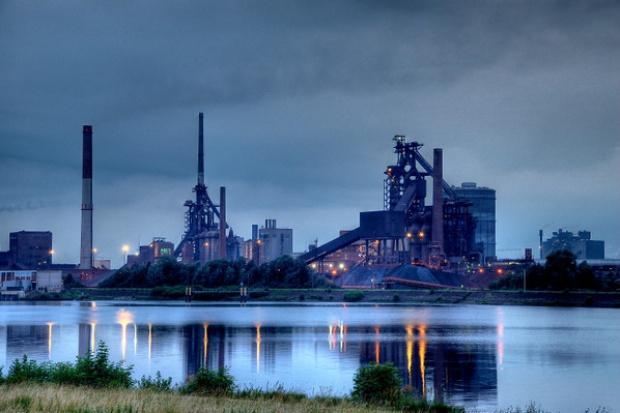 W Europie strajki i wiece w hutach ArcelorMittal
