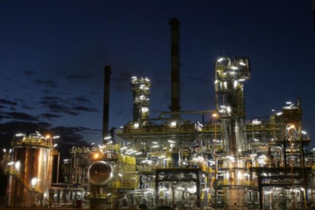 Rafinerie dzielą między siebie paliwowy rynek