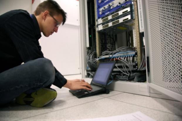 Centra przetwarzania danych konsumują coraz więcej energii