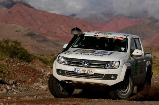 39 użytkowych volkswagenów towarzyszy Rajdowi Dakar 2012