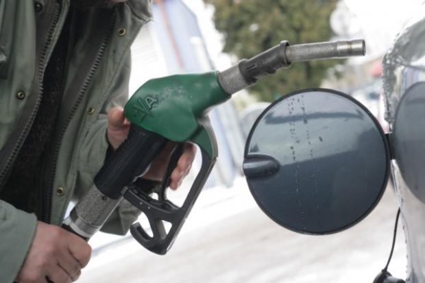 MF nie widzi możliwości obniżenia akcyzy na paliwa
