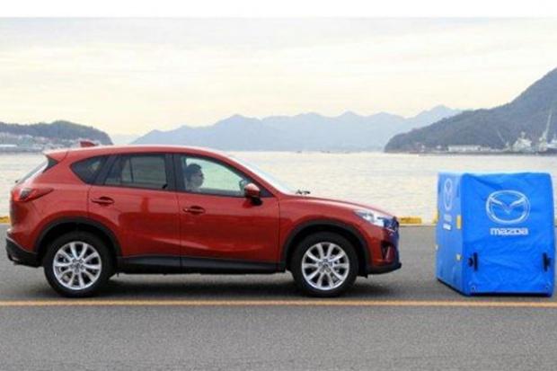 Nowy system wspomagający hamowanie w Mazdach