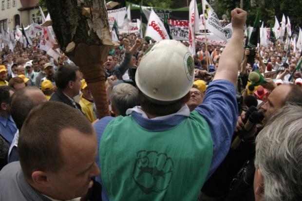 Górnicy będą bronić swych uprawnień emerytalnych