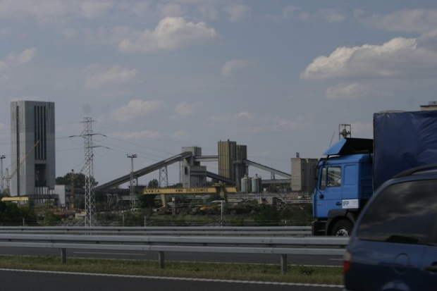 KW: Po pożarze węgiel z Bielszowic przetransportują samochodami