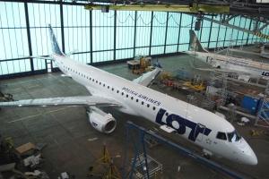 Kolejny Embraer 195 we flocie LOT-u
