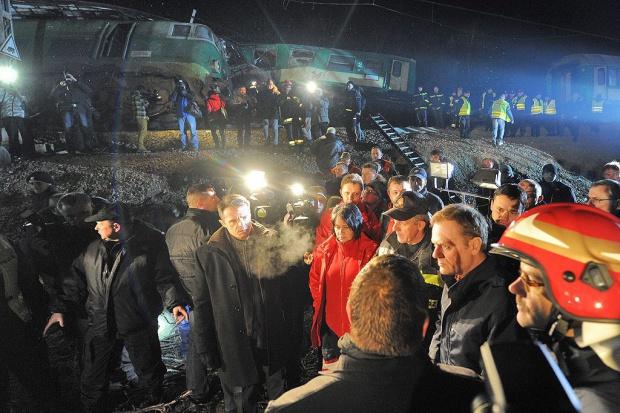 Premier na miejscu katastrofy kolejowej