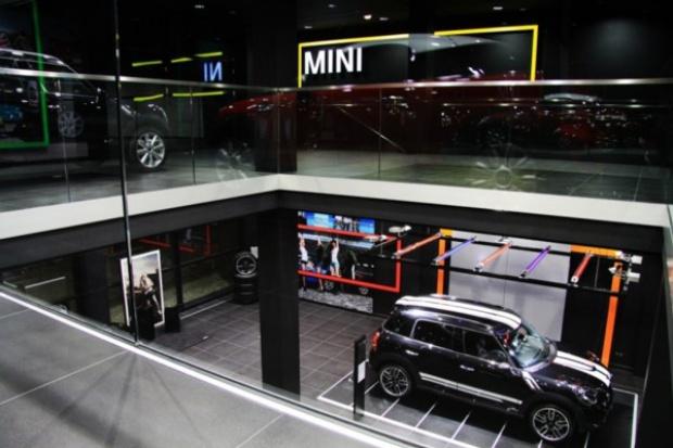 BMW i MINI na trzech piętrach w Łodzi