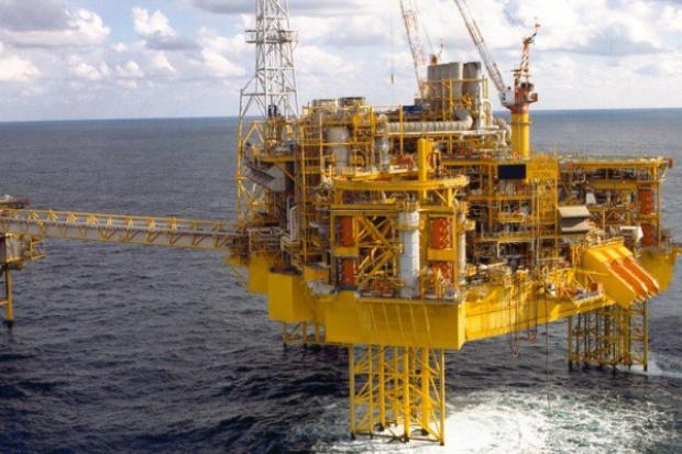 Groźba potężnego wybuchu na platformie Shella