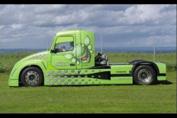 Czy hybrydowa ciężarówka pojedzie 260 km/h?