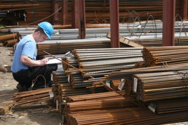 Ministerstwo Finansów: organy podatkowe monitorują handel stalą