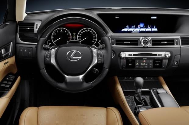Nowy Lexus GS: wyświetlacz jak w notebooku