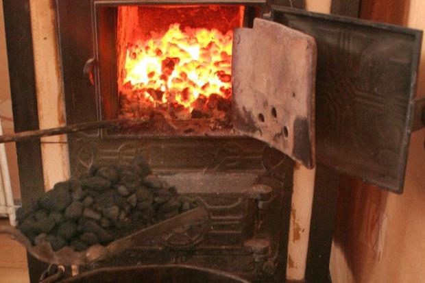 Coraz więcej węgla na ogrzewanie domów