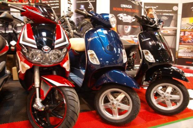 Sprzedaż motorowerów i motocykli na razie pod kreską