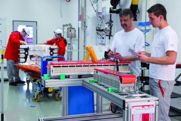 Audi rozwija technologię produkcji akumulatorów wysokiego napięcia